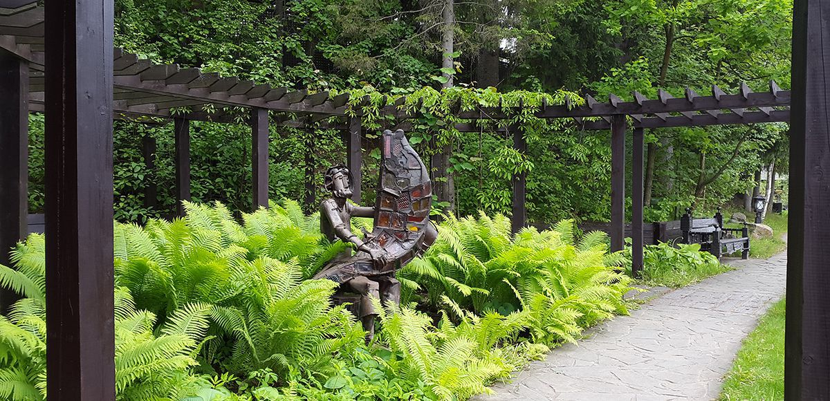 Скульптура Хороший улов, поселок Николино