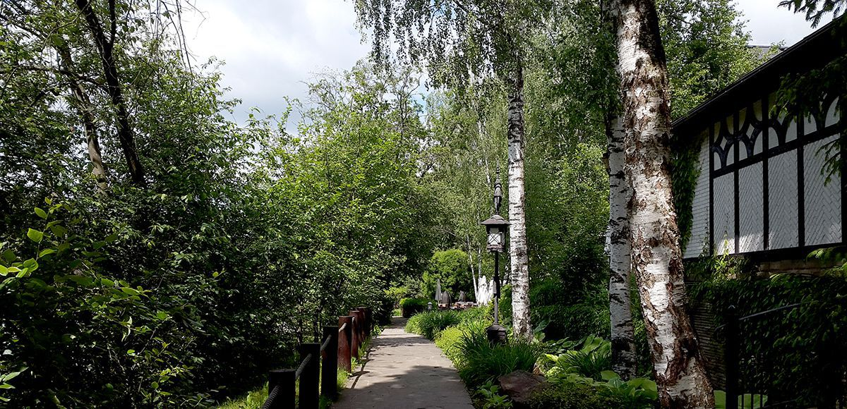 Дорожка к озеру, поселок Николино