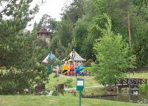 Детская площадка у озера в поселке Николино